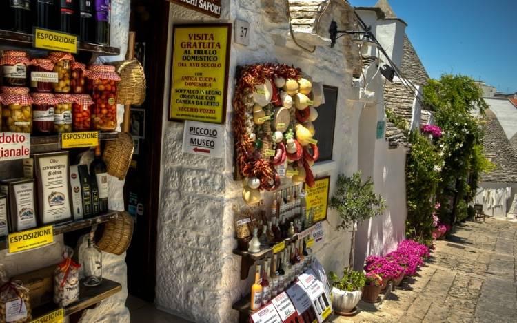 alberobello-typical-shops