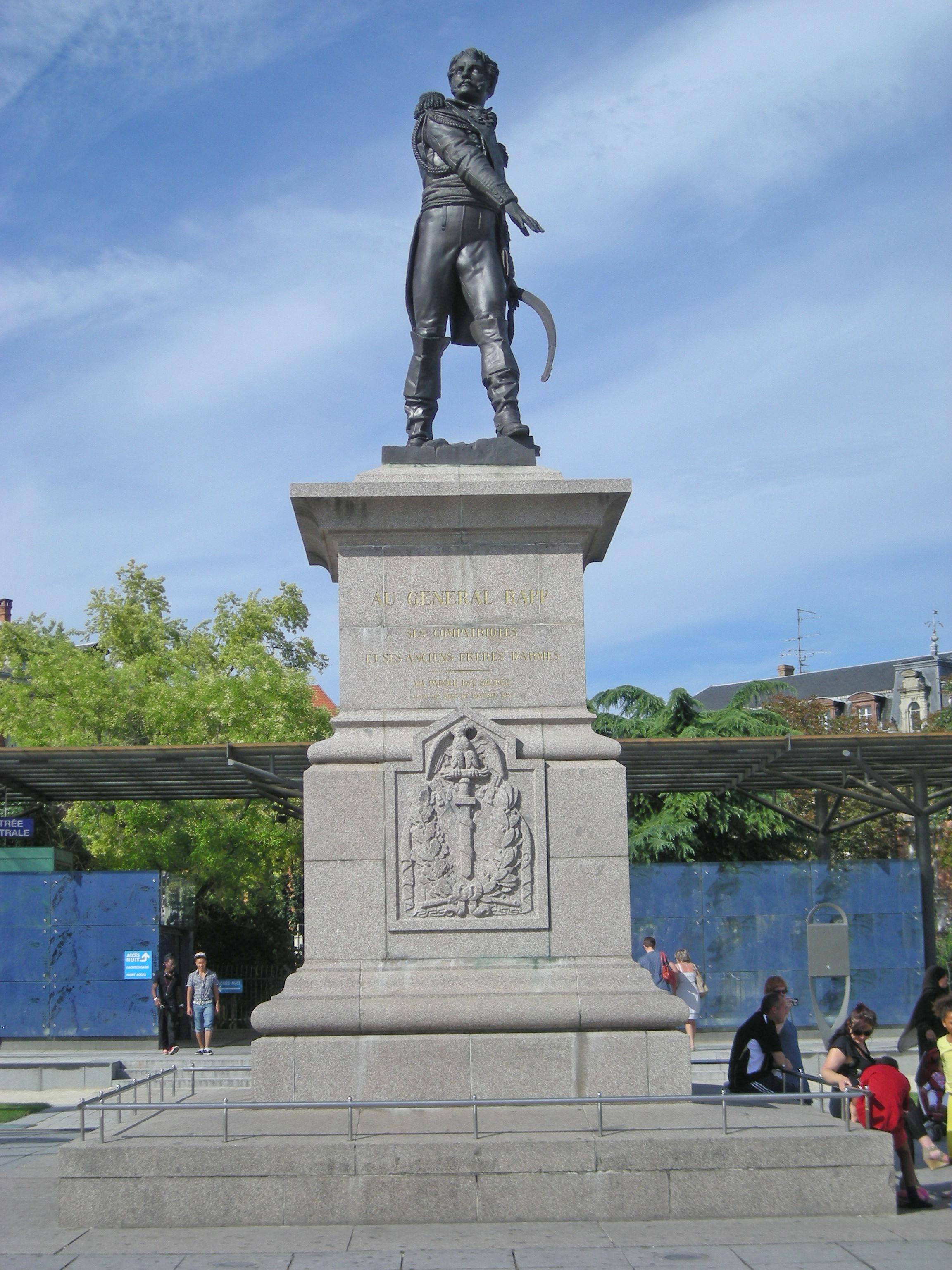 monument_du_gc3a9nc3a9ral_rapp