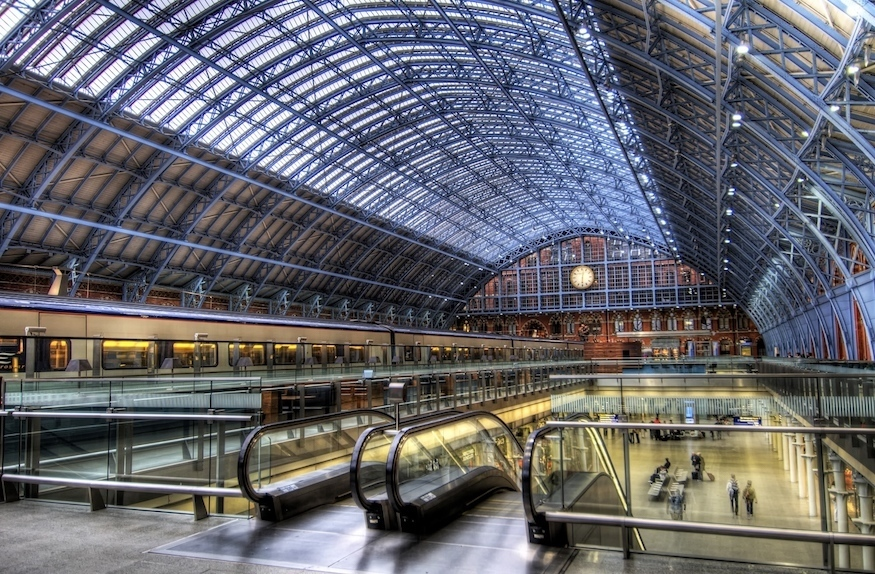 st_pancras_international_station_-_view_of_the_arcade